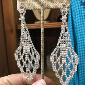 Jewelry - Beautiful NWT Earrings